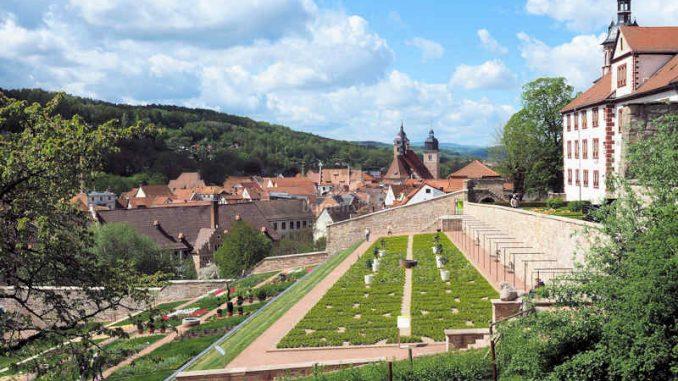 Schloss-Wilhelmstein_Terassengarten