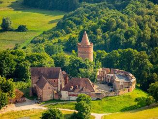 Burg Stargard (Mecklenburg-Vorpommern) - schönes Luftbild