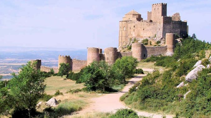 Castillo de Loarre (Spanien) - flickr / Josue Medivil