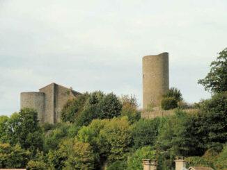 Chateau Chalus-Chabrol - Seitenansicht