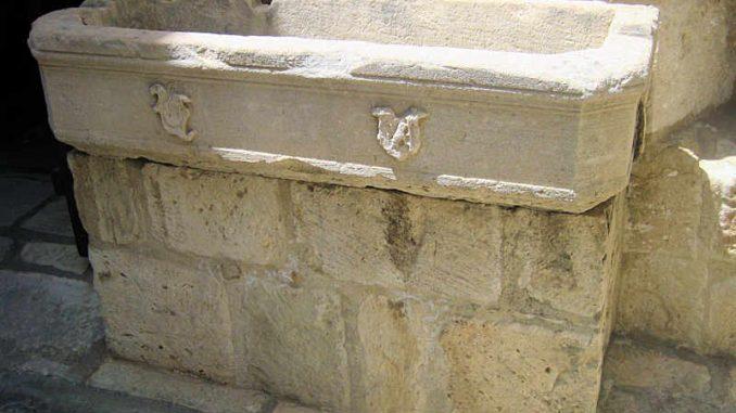 Lemesos-Castle_Brunnen_8673