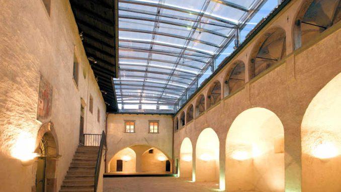 Schloss-Maretsch_Innenhof_1567150516_Stiftung-Bozner-Schlösser