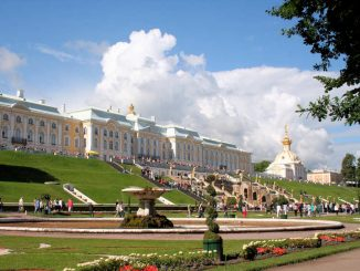 Schloss Peterhof, St. Petersburg - Hauptansicht
