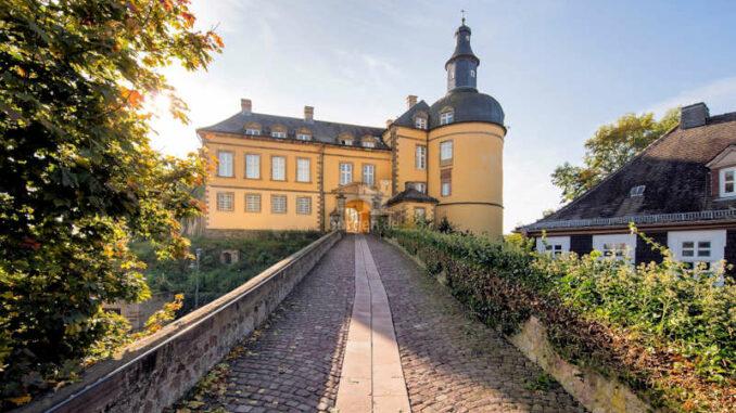 1578403967-MA24423_Schloss-Friedrichstein-Herbst_Katharina-Jaeger_800