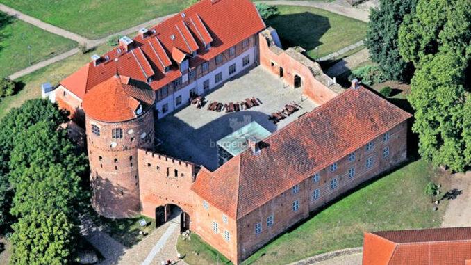 Burg-Neustadt-Glewe-Blick-aus-der-Vogelperspektive-Foto-Ralf-Ottmann