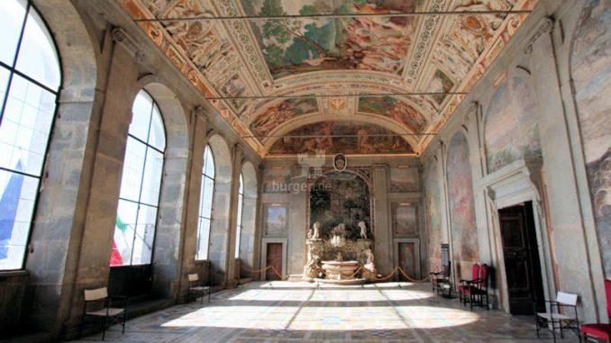 Palazzo-Farnese_Caprarola_Prunksaal_9818