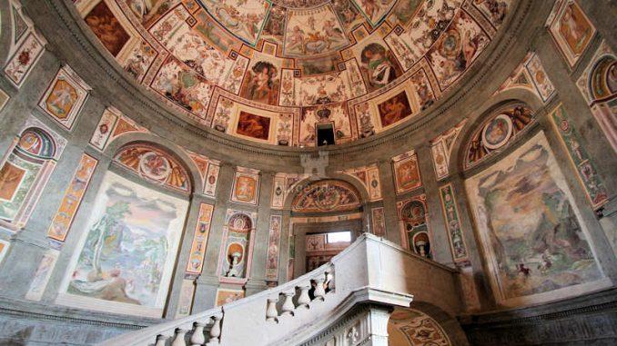 Palazzo-Farnese_Caprarola_Treppenhaupt_9812