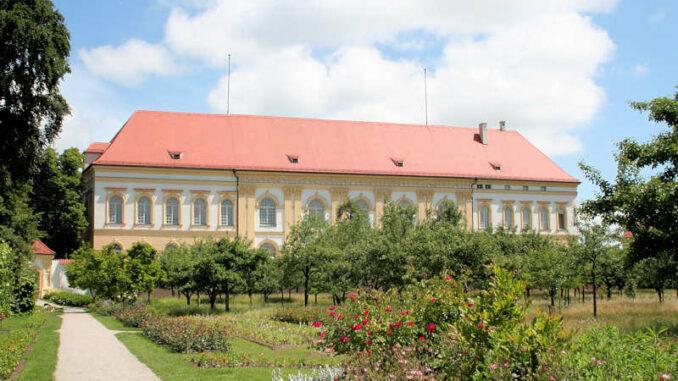 Schloss-Dachau_Rueckseite_5370