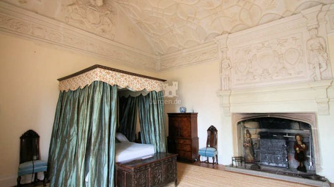 Trerice-House_Queens-Room_1147
