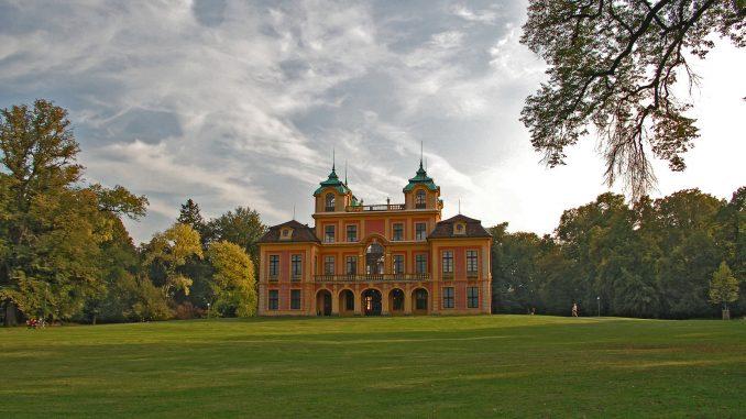 Schloss Favorite bei Tagesanbruch_Staatliche Schlösser und Gärten Baden-Württemberg, Norbert Stadler