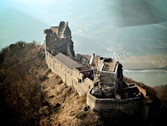 Burg Aggstein, Wachau - Luftbild - Quelle: Richard Michael Shaw / flickr