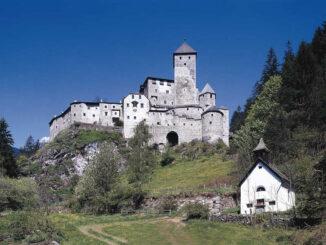 Burg Taufers (Südtirol) - Frontalansicht © Südtiroler Burgeninstitut