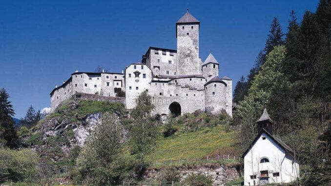 Burg-Taufers_1583152060-13_och