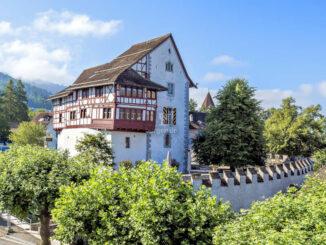 Aussenansicht Sommer © Burg Zug / Giesecke