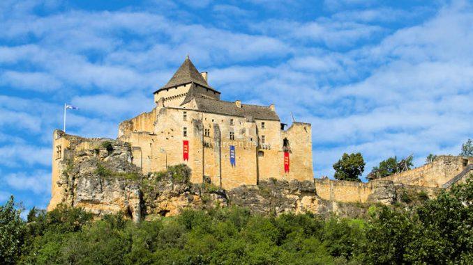 Chateau-Castelnaud_Blick-aus-dem-Tal_c-Lachaud