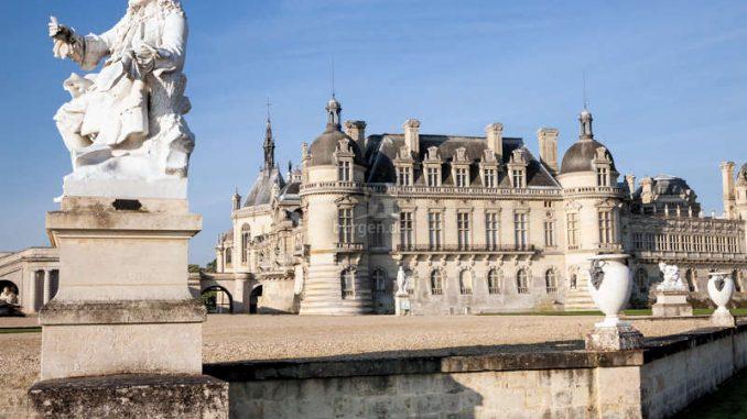Chateau-Chantilly_Aussenansicht-c-sophie-lloyd-2271