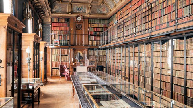 Chateau-Chantilly_Bibliothek-c-sophie-lloyd