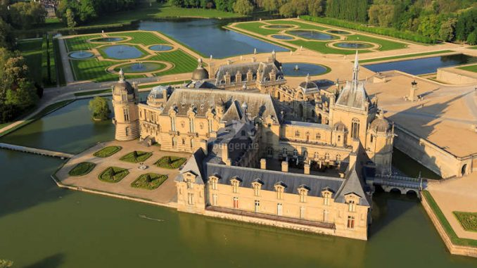 Chateau-Chantilly_Luftbild_c-jerome-huyvet