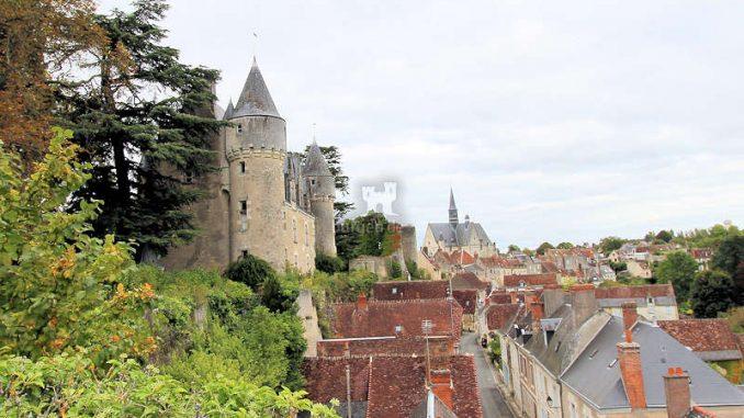 Chateau-Montresor_Seitenansicht_5886