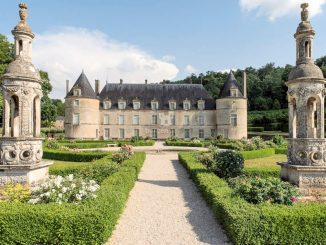 Château de Bussy-Rabutin, Blick aus dem Park © Jean-Pierre Delagarde - CMN