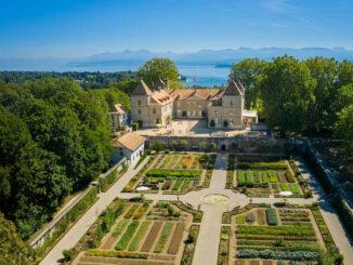 Luftbild © Château de Prangins Musée national suisse