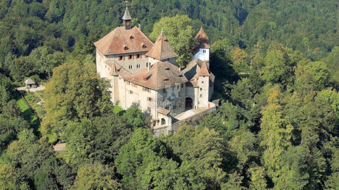 Kyburg-Luftaufnahme-c-Schloss-Kyburg
