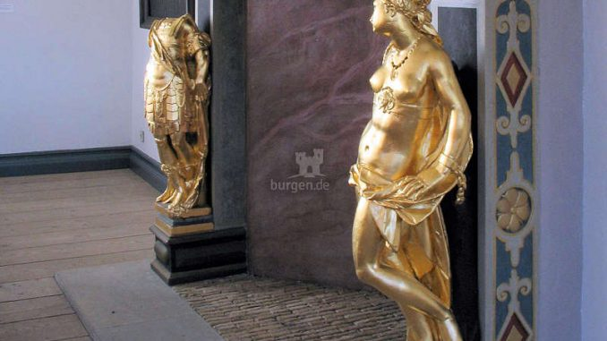 Schloss-vor-Husum_Todeskampfkamin-im-Rittersaal_(c)-Museumsverbund-Nordfriesland