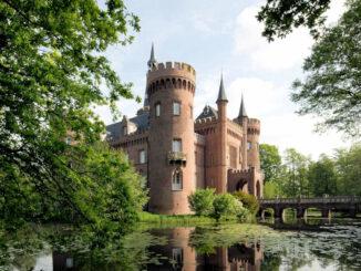 Schloss Moyland - Seitenansicht © Stiftung Museum Schloss Moyland