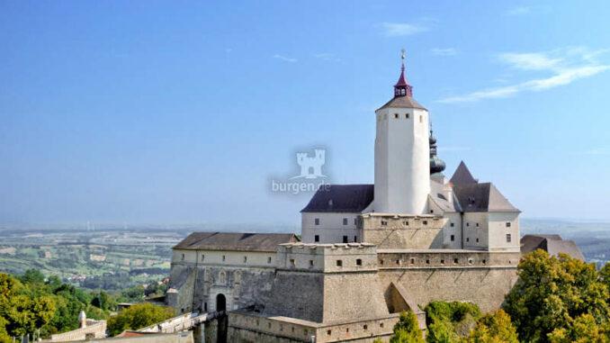 Burg-Forchtenstein_Aussenansicht_c-FotoimLohnbuero_HQ