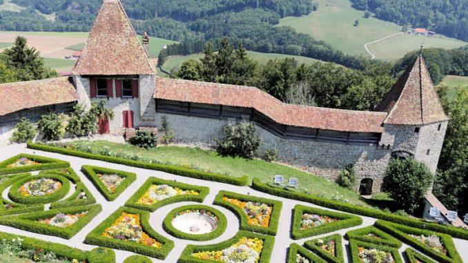 Chateau-De-Gruyeres_Garten_c-ChateauDeGruyeres