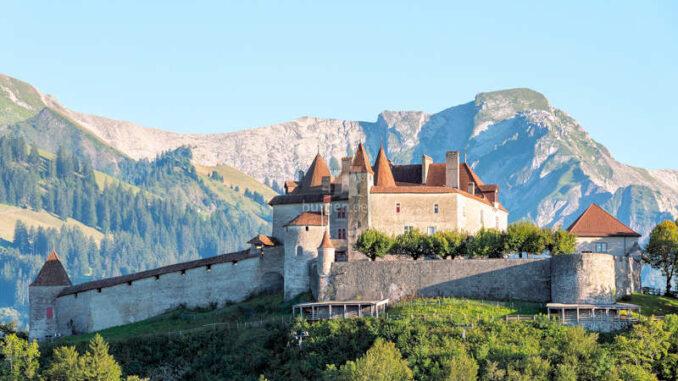Chateau-De-Gruyeres_Panoramablick_c-PierreCuony
