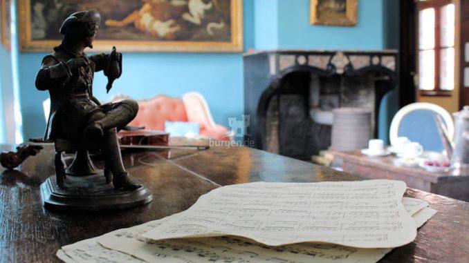 Chateau-Lavaux_Schreibtisch