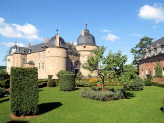 Ansicht aus der Vorburg © Château de Lavaux-Sainte-Anne