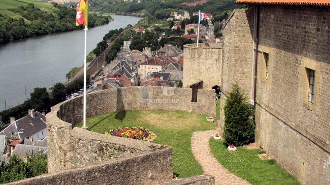 Chateau-des-Ducs-de-Lorraine_Moselblick_c-Chateau