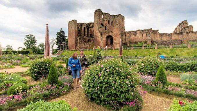 Kenilworth-Castle_Elisabethanischer-Garten