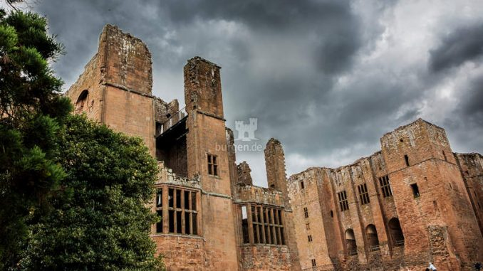 Kenilworth-Castle_Sinister-Atmosphere