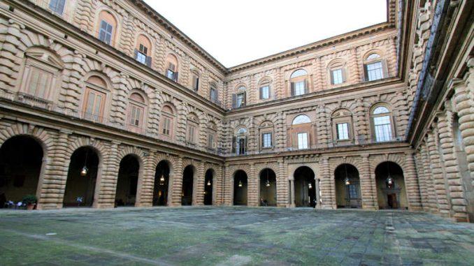 Palazzo-Pitti_Innenhof