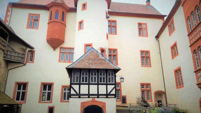 Ronneburg_Innenhof_c-Ronneburg