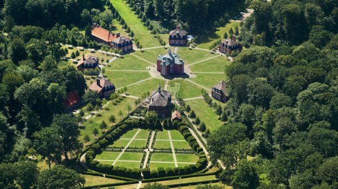Schloss-Clemenswerth-Emslandmuseum_Luftbild