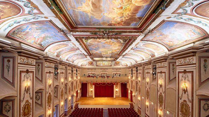 Schloss-Esterhazy_Haydnsaal-weiss_c-PaulSzimak_HQ