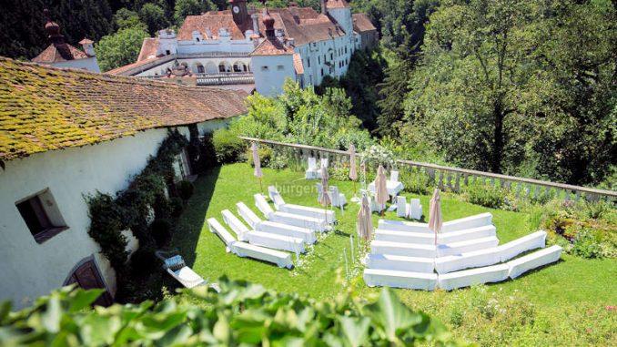 Schloss-Herberstein_1591973710-Fruehstuecksgarten-Hochzeit_c-Herberstein