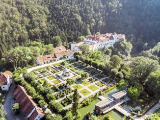 Luftbild Schloss + Park © Schloss Herberstein