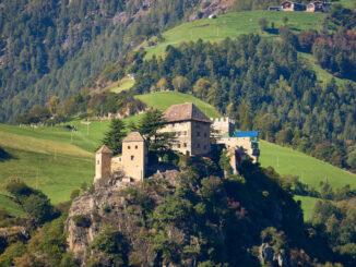 Seitenansicht, Schloss Juval © Harald Kreusch/flickr
