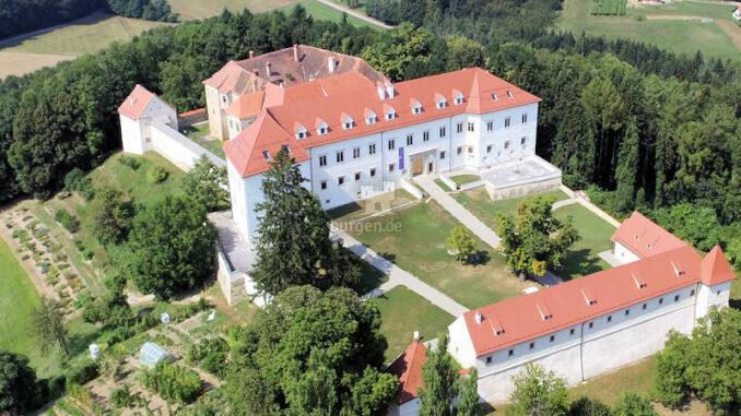 Schloss-Negova_Luftbild_c-FotoCernic