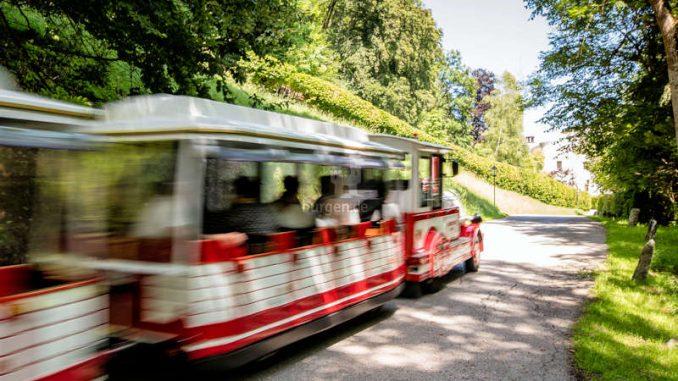 Schloss-Tratzberg_flinke-Eisenbahn
