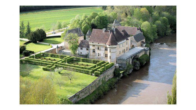 Chateau-de-Losse_Luftbild