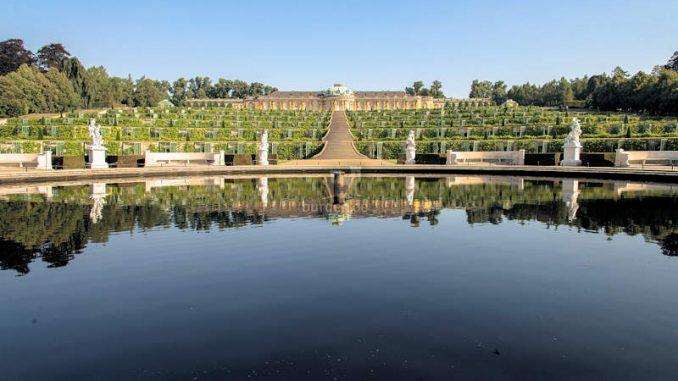 Schloss Sanssouci, Blick auf die Terassenanlage © Stiftung Preußische Schlösser und Gärten Berlin-Brandenburg / Foto: Hans Christian Krass