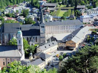 Schlossplatz aus der Luft © Königliches Schloss Berchtesgaden