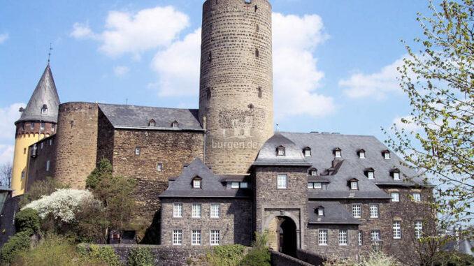 Genovevaburg_Gesamtansicht_c-Stadt-Mayen
