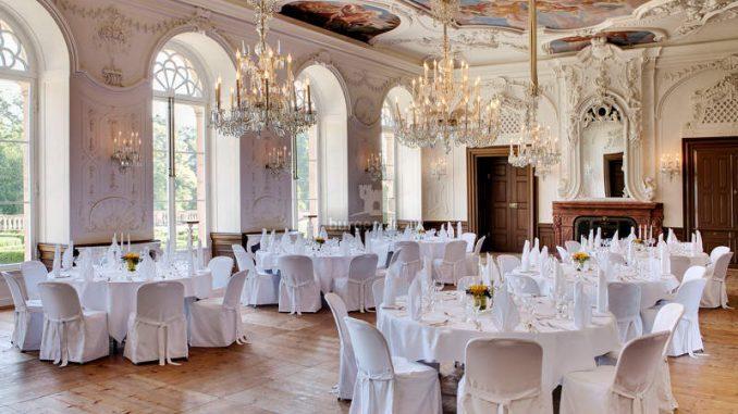 Schloss-Arolsen_Steinerner-Saal